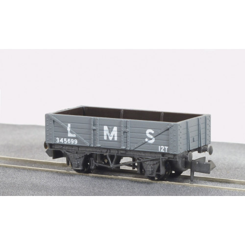 NR-40M 5 Plank Mineral Wagon in LMS Light Grey