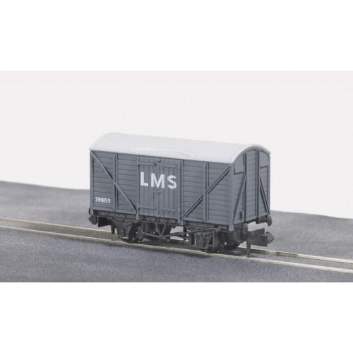 NR-43M Standard Box Van in LMS Light Grey