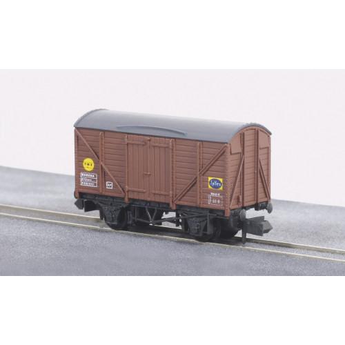 NR-50B Banana (Fyffes) Box Van No.B881061