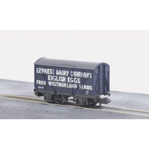 NR-P133 Box Van in Express Dairy English Eggs Livery