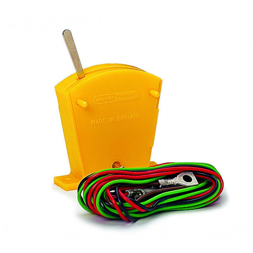 R046 Two Way Lever Switch On/Off Yellow