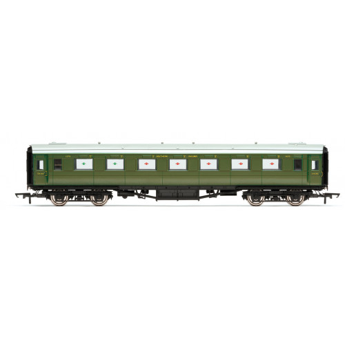 R4833 SR Maunsell Open Third Class Coach No.1375 in SR Olive Green