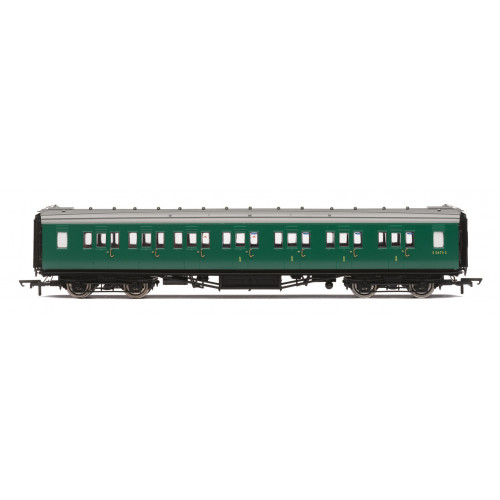 R4839 BR (ex SR) Maunsell Composite Coach No.S5673S in BR Southern Green