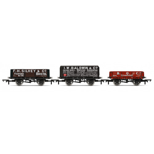 R6882 3 Pack - Private Owner Plank Wagons