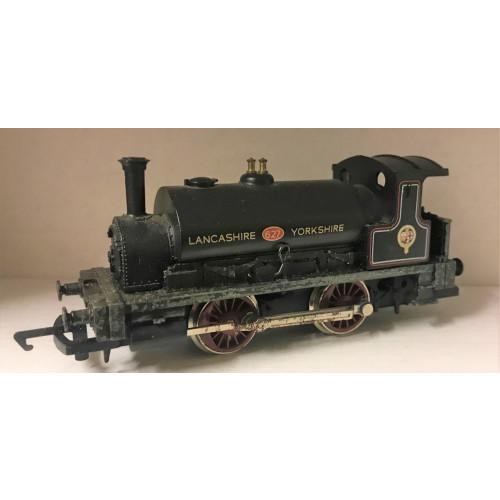 Hornby R150 L & Y 0-4-0 Saddle Tank Locomotive No.627 in Black Livery