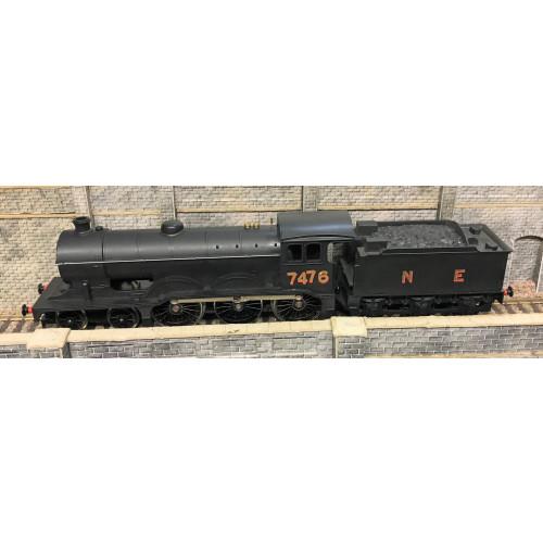 Hornby R150 Class B12 4-6-0 Steam Locomotive No.7476 in NE Black