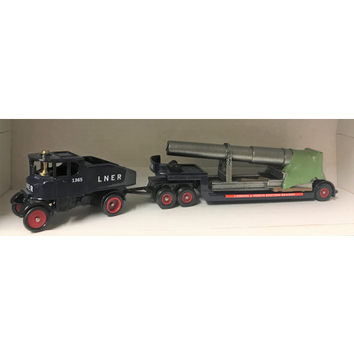 Trackside DG111002 LNER Sentinel Ballast Box with Low Loader & Gun Barrel Load