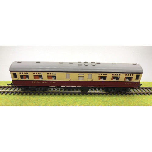 Tri-ang R224 BR Restaurant Car No.M2001 In BR Crimson Cream