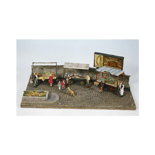 SS37 Wills Kits Market Stalls, 4 wheel Barrows Inc. Loads