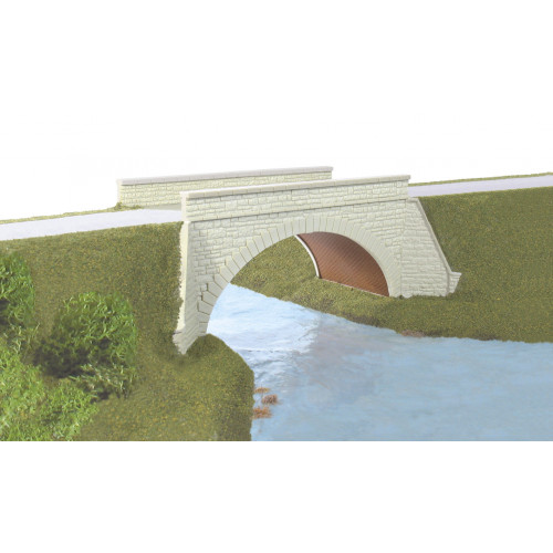 SS82 River or Canal Bridge